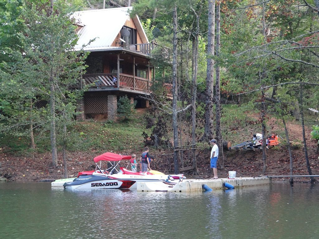 Watauga Lake Vacation Rental Cabin