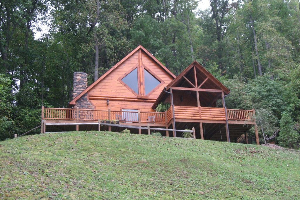 Tree House Watauga Lake Vacation Rental